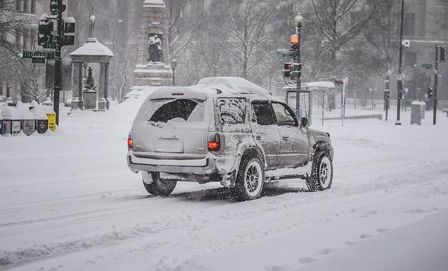 zasněžené auto